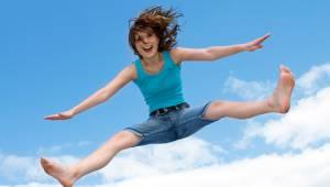сумасшедшие прыжки на батуте