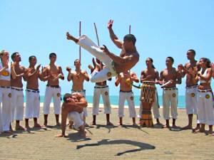 Бразильский танец или борьба для ягодиц